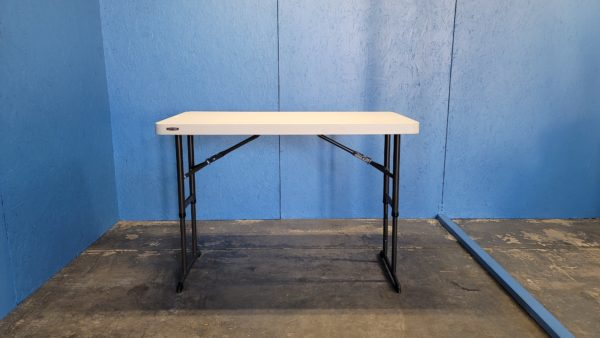 Picture of 4ft Banquet Table at Tallest Height
