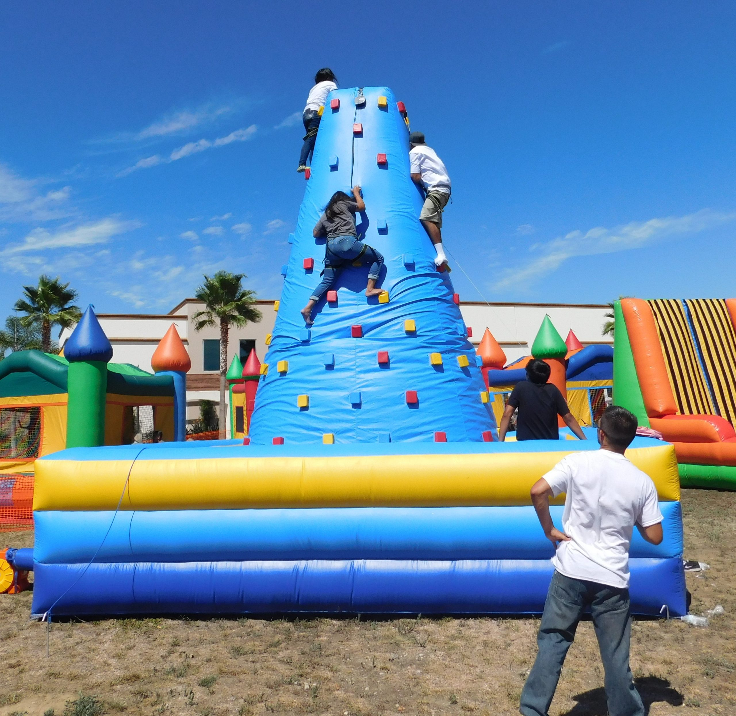 Inflatable Rock Wall with four sides